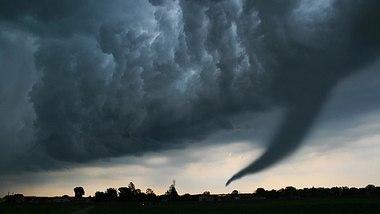 Achtung, Tornado! Deutscher Wetterdienst ruft Alarmstufe Rot aus