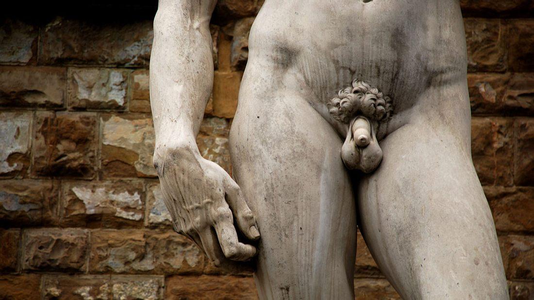 Penisvergrößerung: Helfen natürliche Methoden und Mittel?