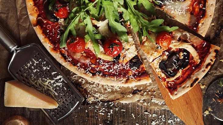 Ernährungsexperte behauptet: Pizza zum Frühstück ist gesünder als Müsli