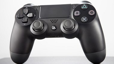 PlayStation 4 Controller - Foto: iStock / greg801