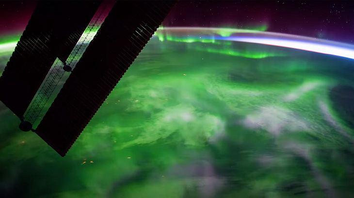 Polarlichter aus dem Weltraum