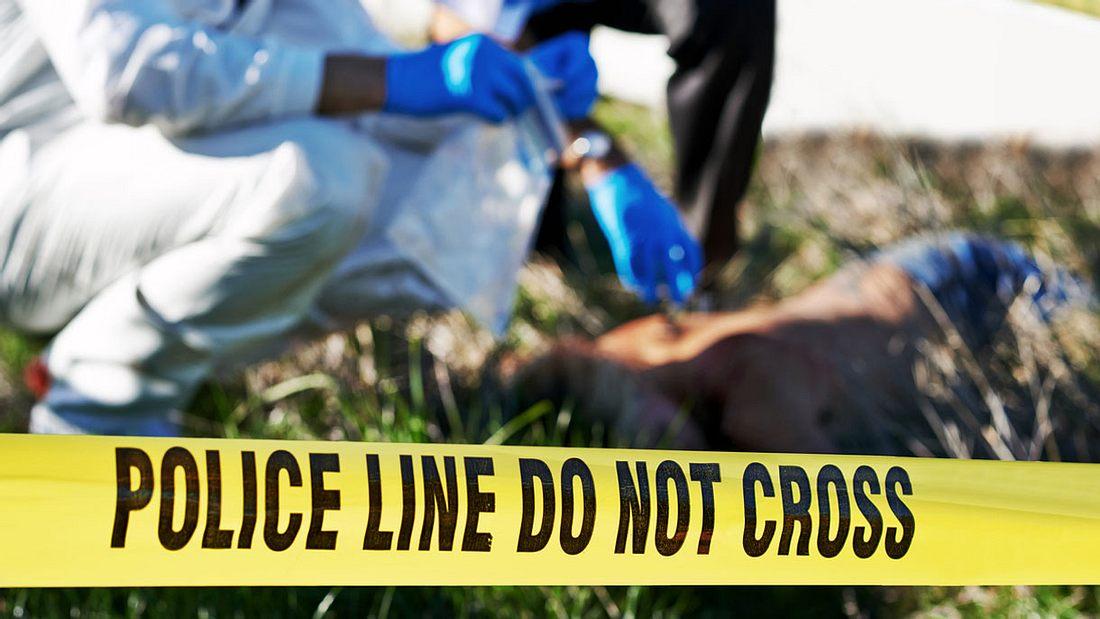 Die Polizei untersucht einen Mordfall