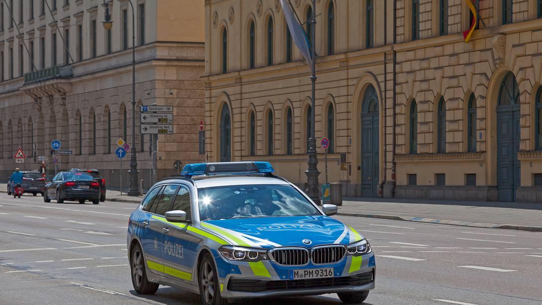polizeieinsatz-münchen - Foto: iStock/Gwengoat