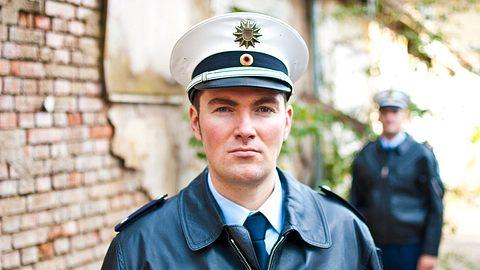 Polizei-Gehalt: Wie viel verdient ein Polizist? - Foto: iStock / MattoMatteo
