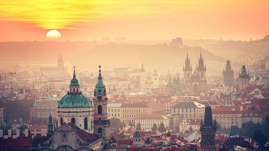 Sonnenaufgang über Prag