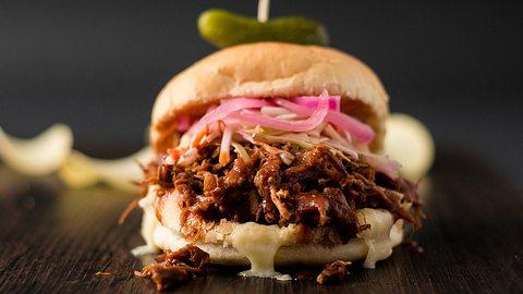 Pulled Pork: So gelingt die BBQ-Spezialität perfekt