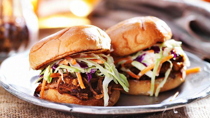 Pulled Pork Burger Gasgrill : Pulled pork die besten rezepte für backofen smoker und gasgrill