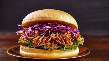 Pulled Pork Burger - Foto: iStock/Arijuhani