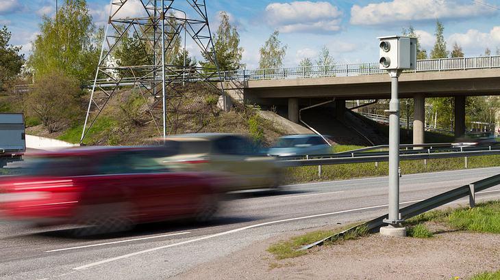 Radarfalle auf Autobahn