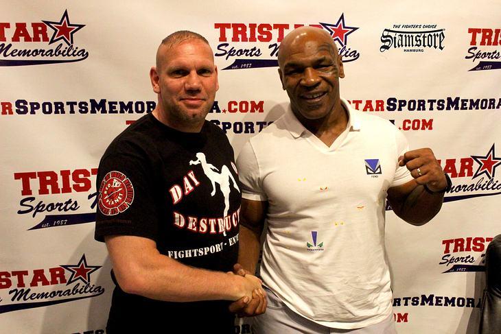 Zwei Schwergewichte ihrer Disziplin: Ralf Stege und Mike Tyson (v. l.)