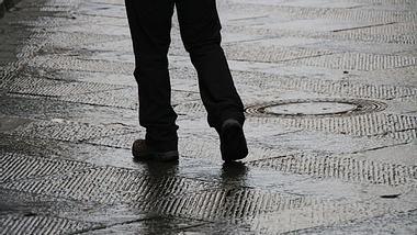 Regenhose Herren - Regenhose - Foto: iStock/suzyco