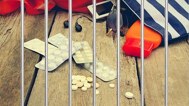 Für diese Medikamente kannst du in den Knast kommen - Foto: iStock / Ljupco, Mukhina1