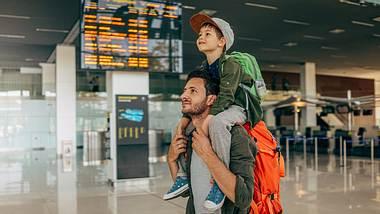 Reisen mit Kindern: Das müssen Väter unbedingt beachten