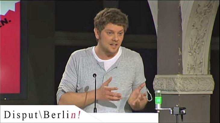 Disput Berlin: Philipp Möller sagte ohne Religionen wäre die Welt besser dran