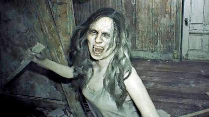 Resident Evil 7: Diese Szene mit Mia Boss wurde wegen zu hoher Brutalität laut Capcom-Entwickler Koshi Nakanishi aus dem Intro verbannt  - Foto: Capcom