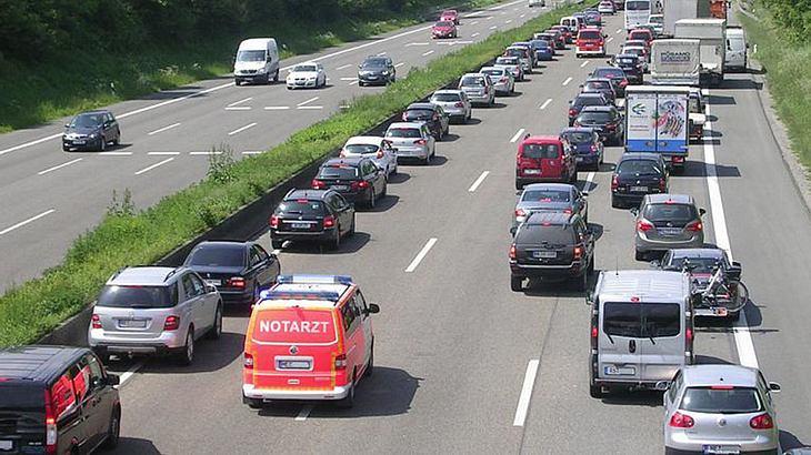 Neue Regelung für Rettungsgasse: Was das für Autofahrer bedeutet