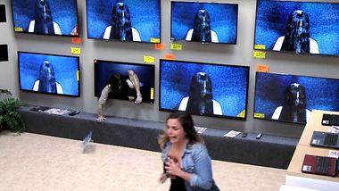 Schokierender The Ring-Prank: Wenn Samara aus Fernseher kriecht
