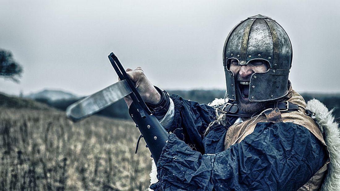 Ein Ritter geht zum Angriff über