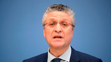 Lothar Wieler - Foto: Getty Images/ HANNIBAL HANSCHKE