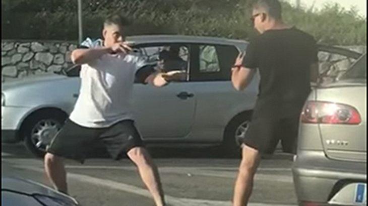 Road Rage: Zwei Männer prügeln sich in Malaga auf offener Straße