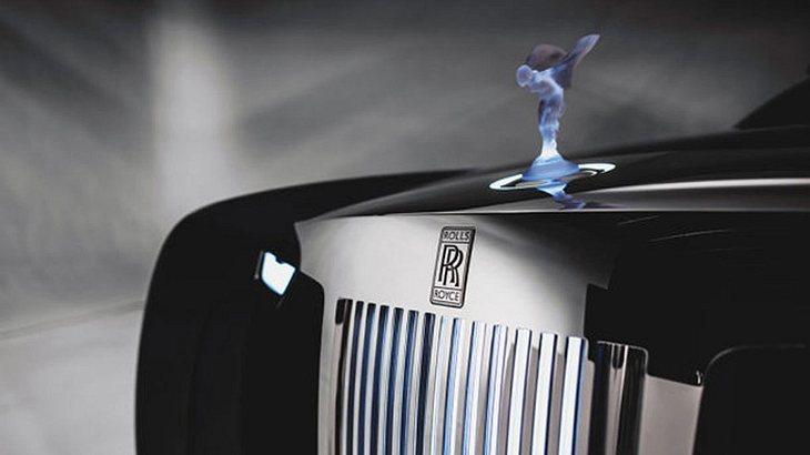 """Rolls-Royce 103EX: Die Kühlerfigur """"Spirit of Ecstasy"""" ist aus Glas gefertigt und kann beleuchtet werden"""