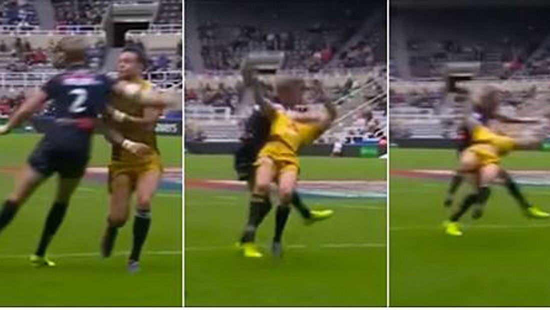 Clothesline-Tackle: Ein Rugby-Spieler foult seinen Gegner brutal