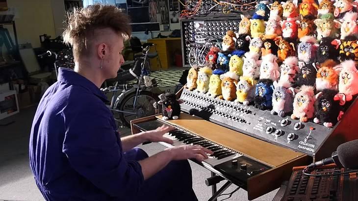 Abgefahren: Londoner Musiker baut Orgel aus Furbys