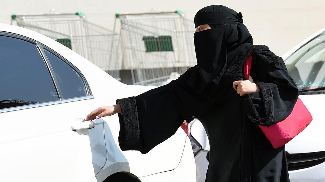 Frauen dürfen bald in Saudi Arabien Auto fahren