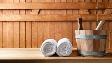 Sauna kaufen - Finnische Sauna - Infrarotsauna - Foto: iStock/Ridofranz