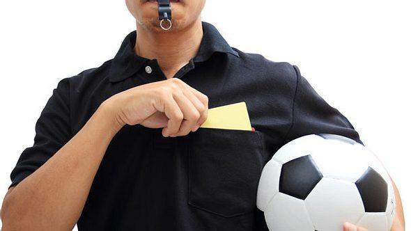 Schiedsrichter-Trikot Schiedsrichter-Jersey - Foto: iStock/Pixfly
