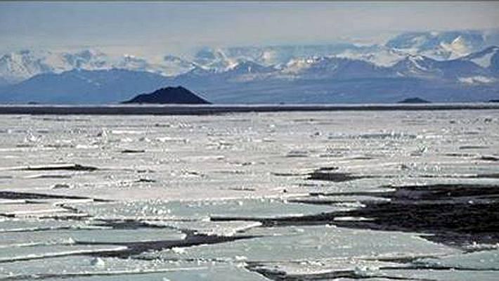 Antarktis: Mysteriöse Schnee-Pyramiden stellen Forscher vor Rätsel