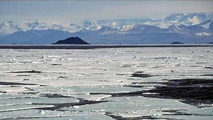 Wissenschaftler rätseln über diese mysteriösen Schnee-Pyramiden in der Antarktis