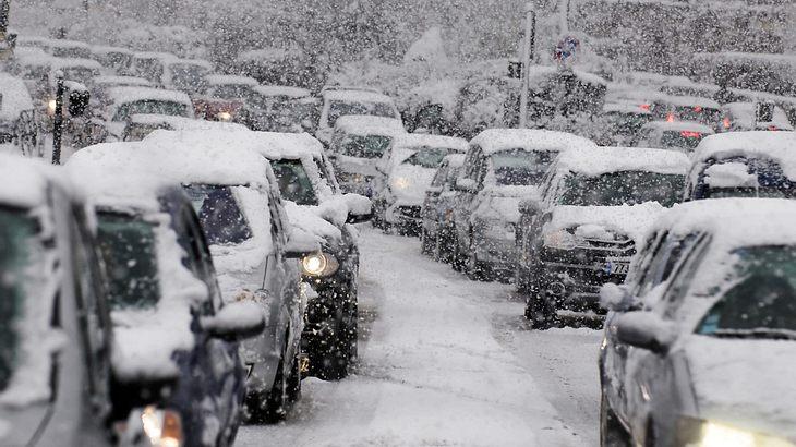 Schneechaos in Paris: Droht auch uns der Verkehrskollops?