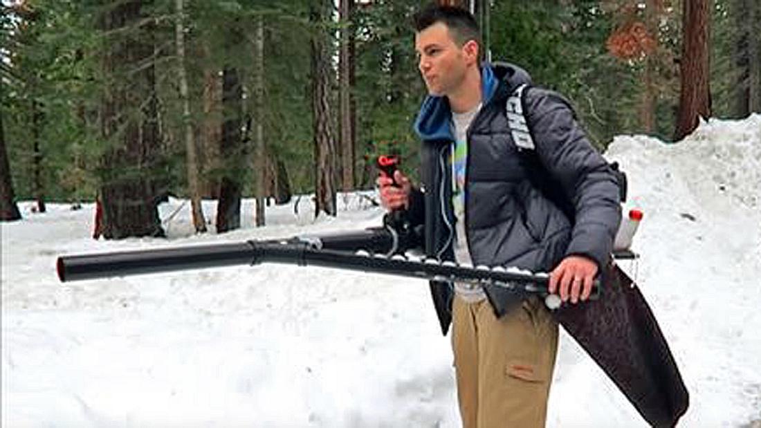 So baust du aus einem Laubbläser eine Schneeball-Kanone