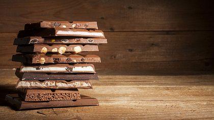 Schokoladen-Tester: Offene Stellen beim Milka-Hersteller