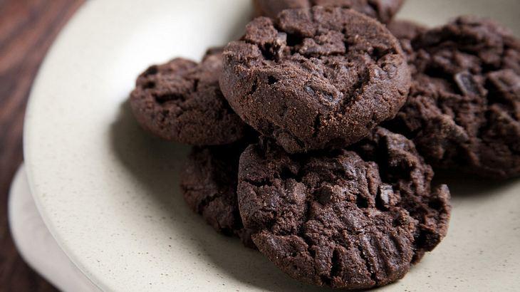 Rezept für gesalzene Cookies mit dunkler Schokolade