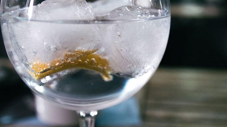 Schweppes Tonic Water – genussvoller Klassiker