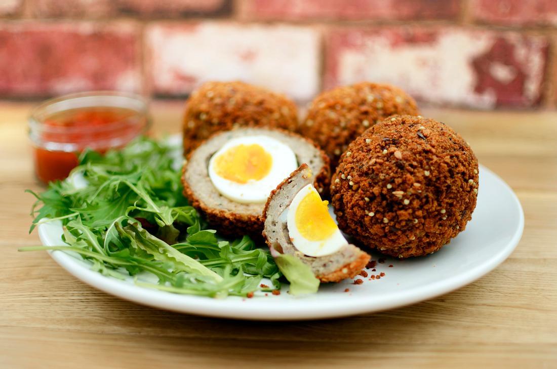 Scotch Eggs: Eier im Fleischmantel
