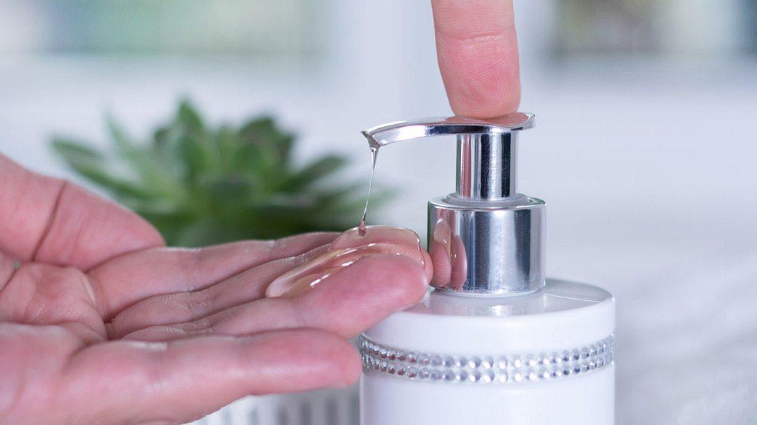 Flüssigseife selber machen - Foto: iStock / Emilija Randjelovic