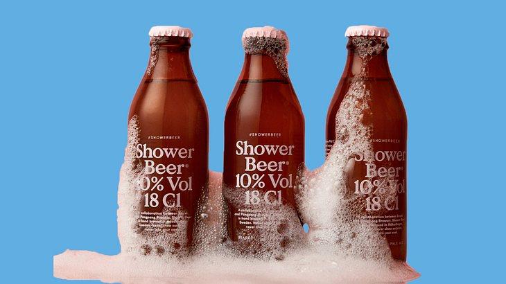 Ein Bier zum Trinken und Duschen!