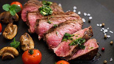 Sirloin-Steak: Das geadelte Steak - Foto: iStock / Elena_Danileiko