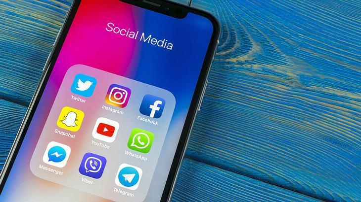 Social-Media-Sucht als offizielle Krankheit anerkannt - Tech-Giganten sollen zahlen