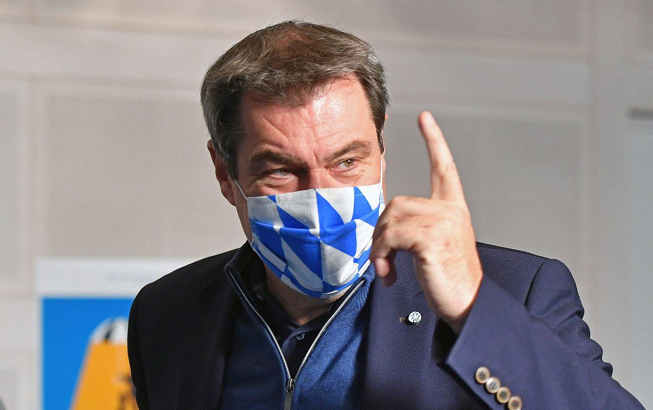 Markus Söder mit erhobenem Zeigefinger