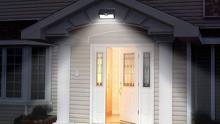 Solarleuchten an der Außenfassade - Foto: PR