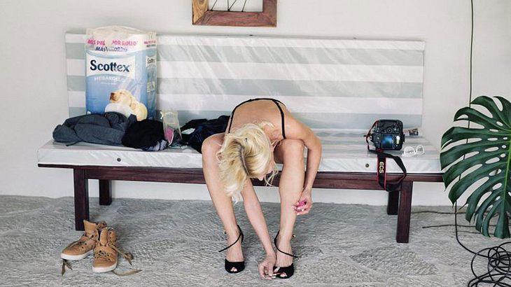 Diese Fotos zeigen, wie es hinter den Kulissen eines Pornos zugeht