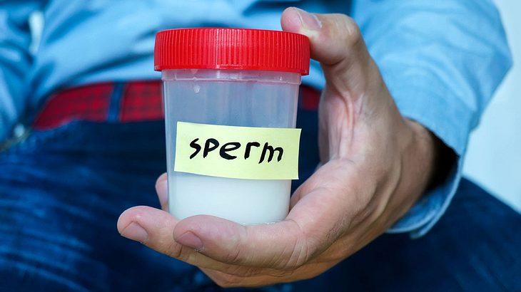 Mann mit Sperma