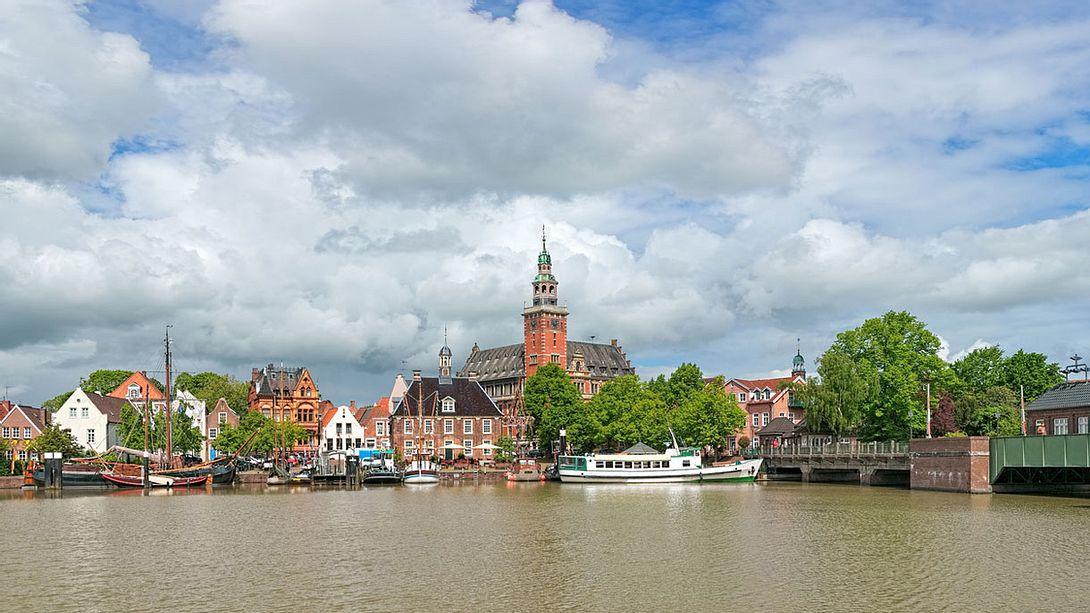 Stadt in Ostfriesland - Foto: iStock / klug-photo