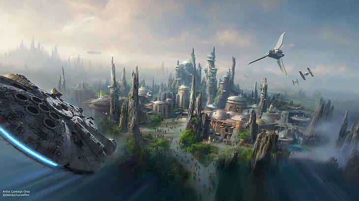 Star Wars-Achterbahn kurz vor der Fertigstellung