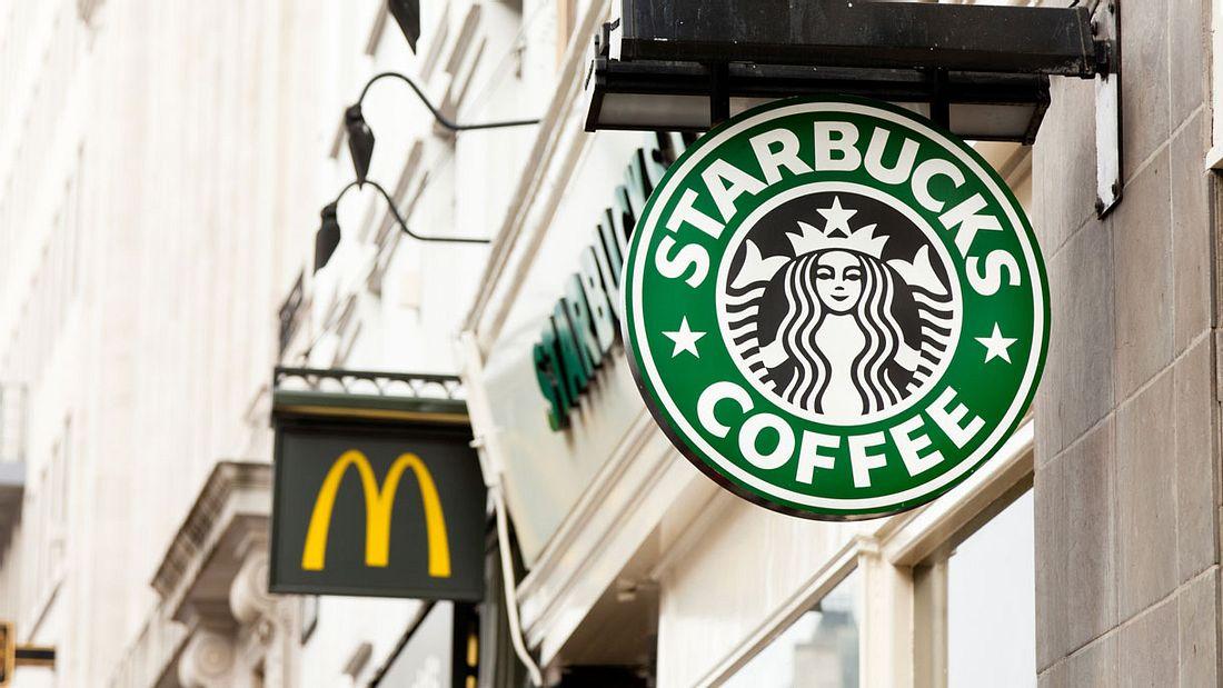 Nie wieder Bechermüll: Starbucks und McDonalds tun sich zusammen
