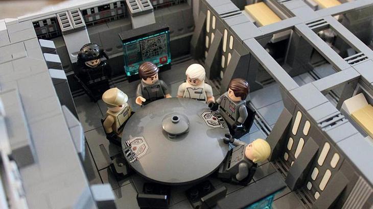 Imgur-User doomhandle hat einen Star-Wars-Sternenzerstörer aus LEGO gebaut